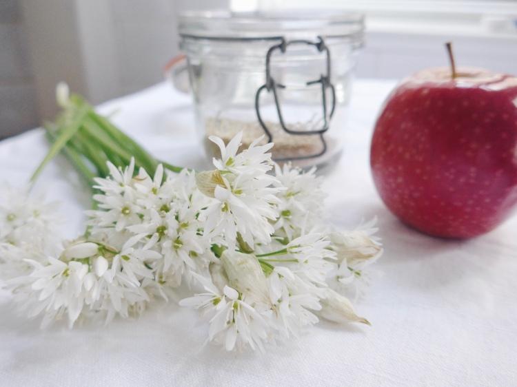 BBQ Sides: Quinoa, Apple and Wild Garlic Flower Salad on allthatshecraves.com